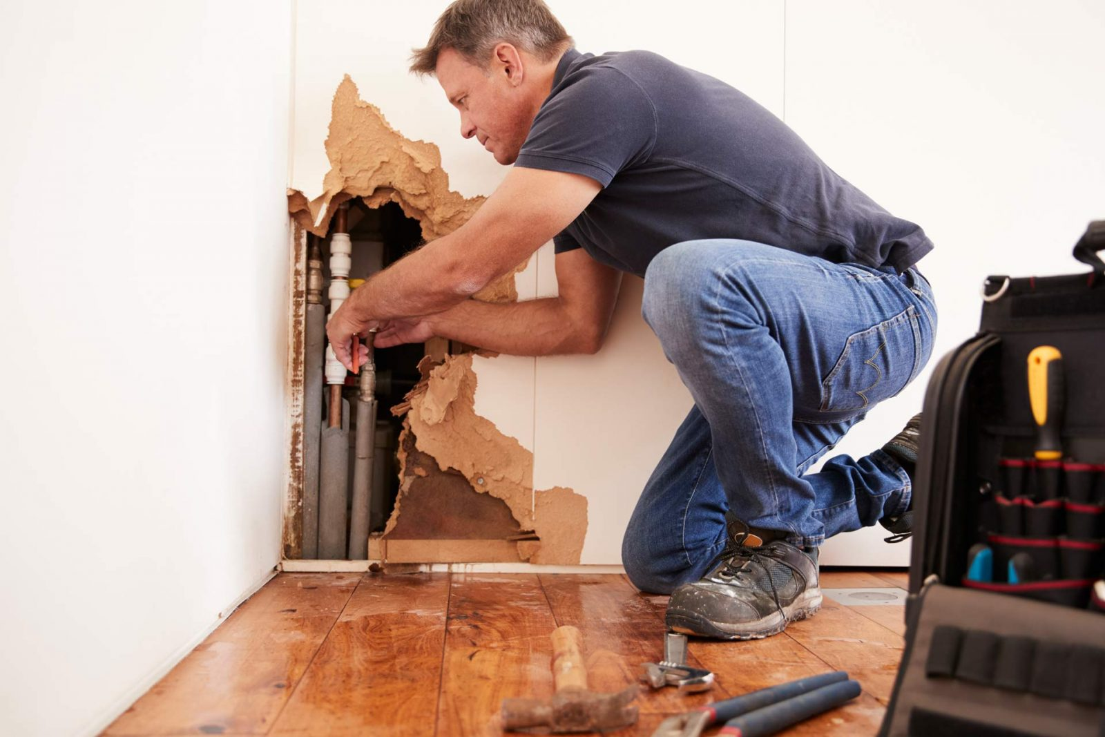 How do You Tell if Your Pipes are Busted?